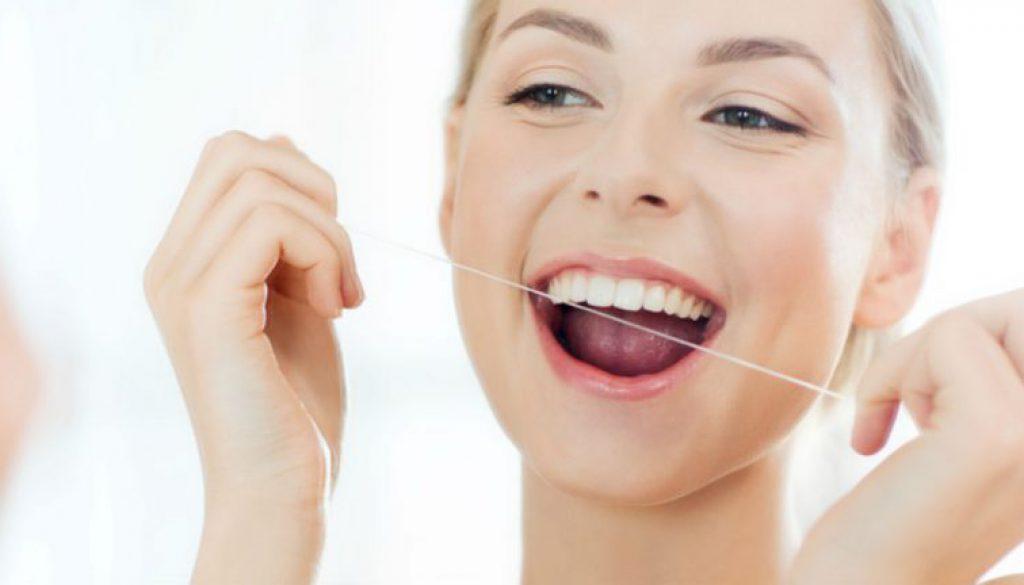 Para qué sirve el hilo dental