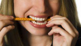 Acciones que dañana los dientes